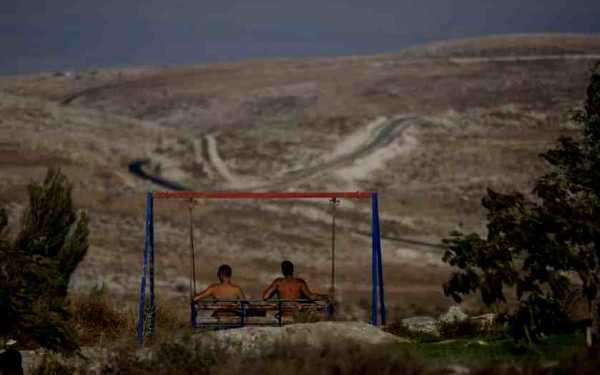 """Foto del artículo titulado """"Irish senate approves ban on products from Israeli settlements"""" (the Guardian)"""